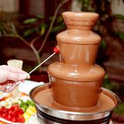 Шоколадный фонтан с цветным шоколадом в аренду