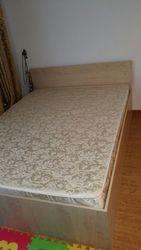 продам недорого кровать с матрасом в отличном состоянии