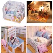 Кукольный домик деревянный со светом и мебелью