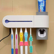 Антибактериальный автоматический стерилизатор для очистки зубных щеток
